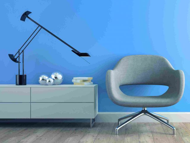 https://www.stijlinkleur.nl/wp-content/uploads/2017/05/image-chair-blue-wall-640x480.jpg